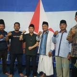 Ketua Barikade Gus Dur Jatim Achmad Arizal (tiga dari kanan) saat mengunjungi Ketua Demokrat Kabupaten Malang, Gufron Marzuki (tiga dari kiri)(Doc MalangTIMES)