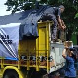 ACT Malang kirimkan bantuan kepada korban banjir bandang Jember, Rabu (26/12/2018). (Pipit Anggraeni/MalangTIMES).