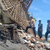 Kapolres Lumajang Tinjau Pantai Tempursari Yang Terkena Abrasi