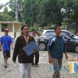 Penggugat Dewa Bharata Bagus Handoko saat di PN Probolinggo (Agus Salam/Jatim TIMES)