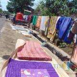 Pasca Banjir, Warga Dusun Wungurejo Mulai Jemur Kasur, Buku Dan Ijazah