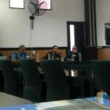 (yang pegang mic) Rachmad Gustomy, S.IP., M.IP.  (foto: Imarotul Izzah/Malang Times)