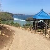 Awas, Ombak Pantai Malang Selatan Diprediksi Menjulang Tinggi