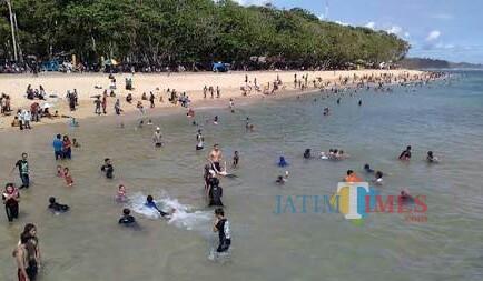 Tsunami Selat Sunda Bikin Trauma, Kunjungan Wisatawan ke Pantai Selatan Turut Menyusut