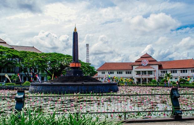 Monumen Tugu (Yukpiknik.com)