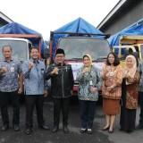 Wali Kota Malang, Sutiaji (tengah kenakan kemeja hitam dan kacamata)  usai menghadiri acara peluncuran ketersediaan pasokan dan stabilitas beras premium di Bulog Malang (Istimewa).