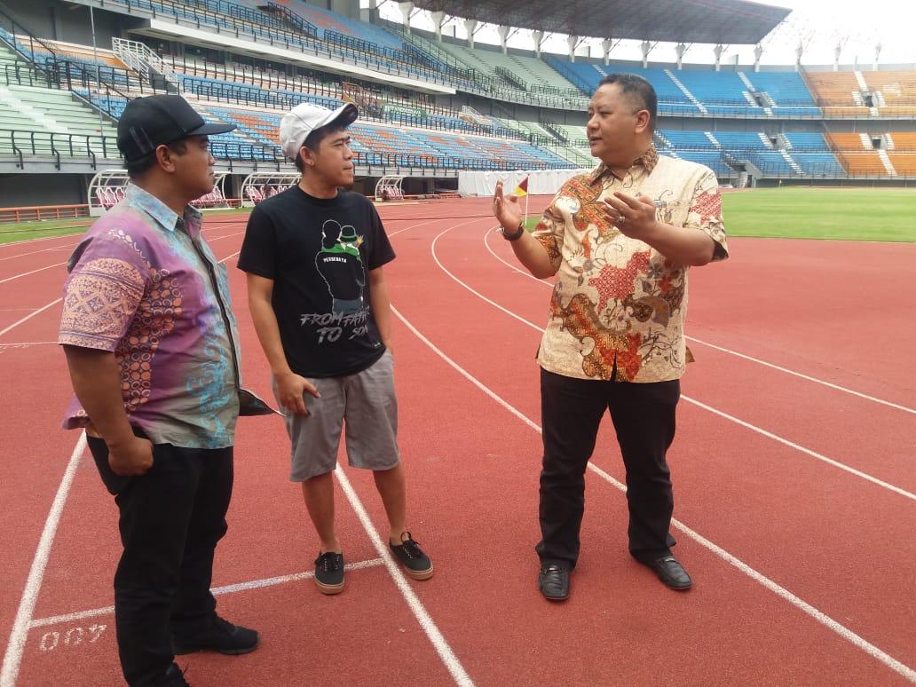 Wakil Wali Kota Surabaya Wisnu Sakti Buana saat mengunjungi Stadion Gelora Bung  Tomo.