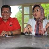Febri caleg PDIP DPR RI dan Nindya cucu pendiri Boedy Utomo dr Muhammad Saleh (Agus Salam/Jatim TIMES)