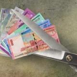 Ilustrasi gunting uang 390 perawat di Kabupaten Malang. (Ist)