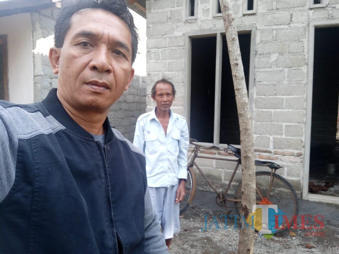 Rumah Sanadi yang dibedah saat ditinjau Kades Parijatah Wetan Suhariyono