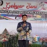 Kepala Disparbud Kabupaten Malang Made Arya Wedanthara dalam acara Gebyar Seni di Turen. (Nana)