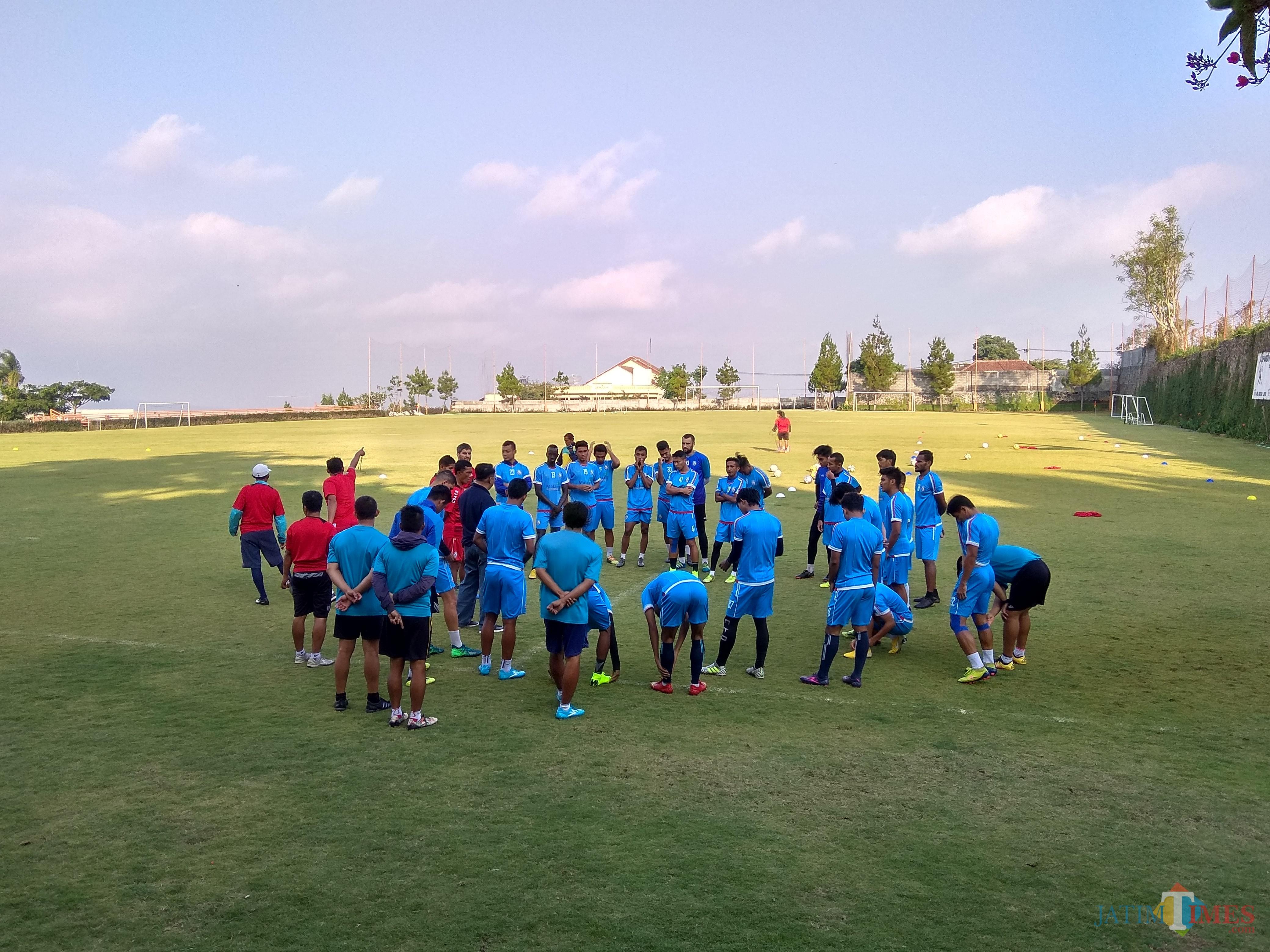 Arema FC ketika menjalani latihan di Lapangan Agro Kusuma Batu di tahun 2018 (Hendra Saputra)