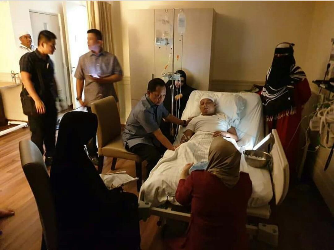 Arifin Ilham dirawat di rumah sakit (Foto: Instagram @lambe_turah)