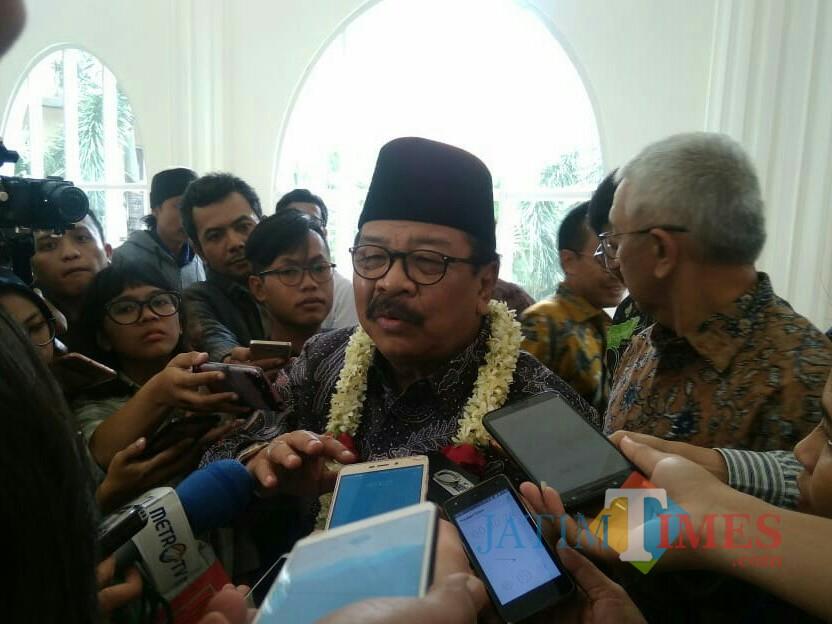 Gurbernur Jatim Soekarwo (Foto: Imarotul Izzah/Malang Times)