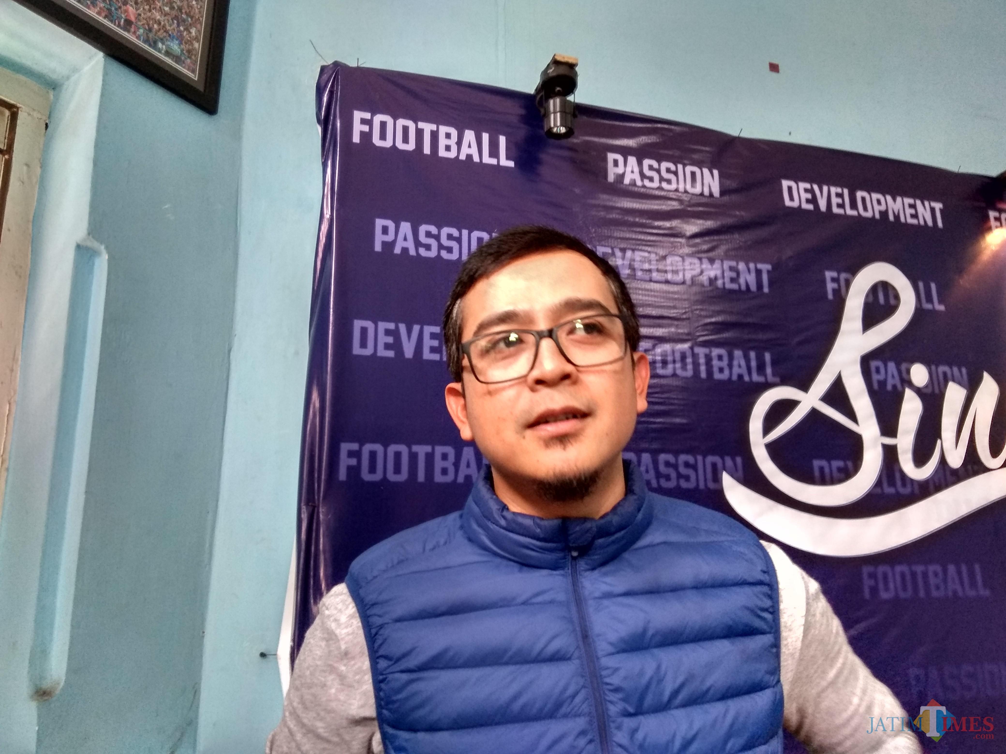 Manager Bisnis Arema FC, Yusrinal Fitriandi (foto: Hendra Saputra/ MalangTIMES)
