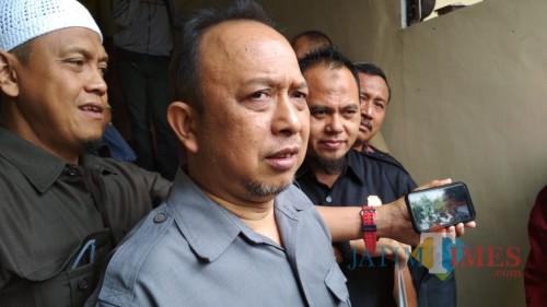 Pimpinan dan Anggota DPRD Kota Blitar saat melapor ke Polres Blitar Kota.(Foto : Team BlitarTIMES)