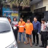 Pelaku penadah yang diamankan di Polres Malang Kota (Anggara Sudiongko/MalangTIMES)