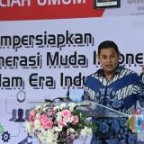 Menristek disambut Wali Kota Kediri saat mengunjungi Poltek II Kediri. (eko Arif s /JatimTimes)