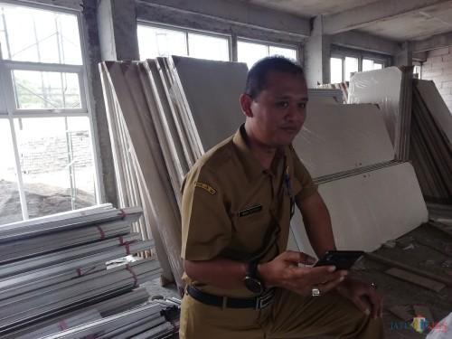 Kabid Perumahan DPKPCK Kabupaten Malang Imam Suyono menyampaikan program bedah rumah tahun 2019 (Nana)