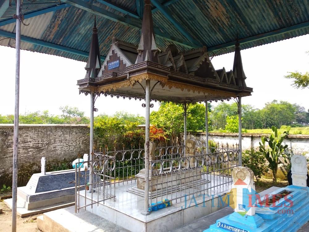 Makam gantung Eyang Djojodigdo atau Pesanggrahan DJojodigdan.(Foto : Team BlitarTIMES)