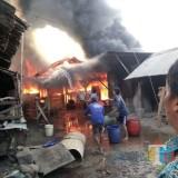 Nambal Ban, Malah Sepeda Motor Hangus Terbakar