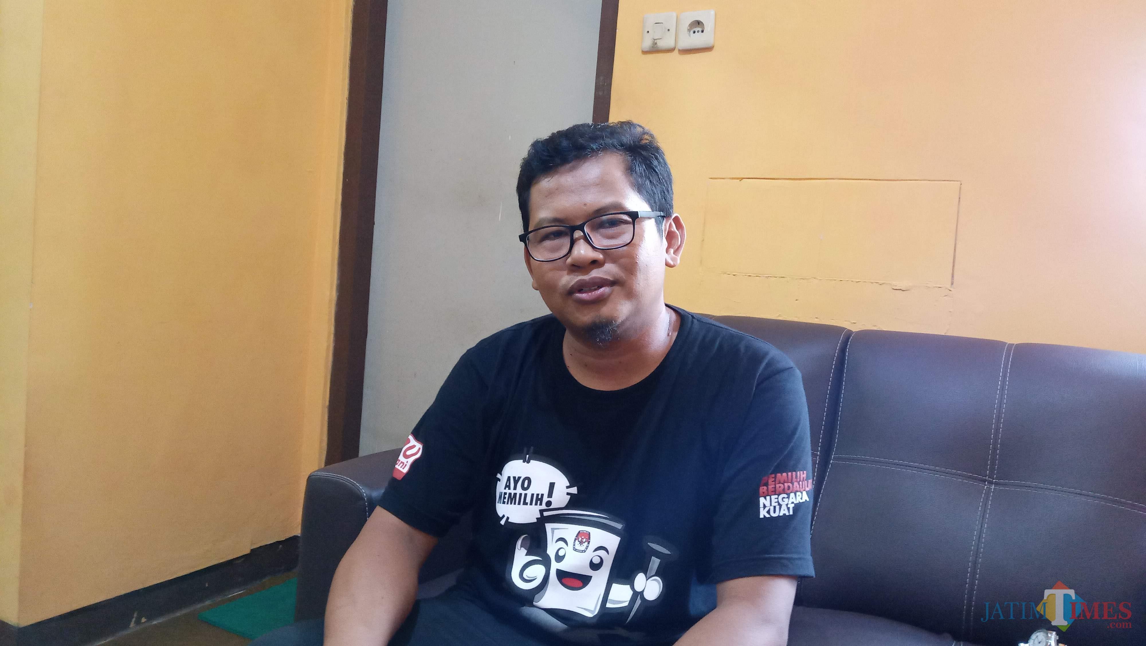 Ketua Komisioner KPU Tulungagung Suprihno (foto : Joko Pramono/Jatimtimes)