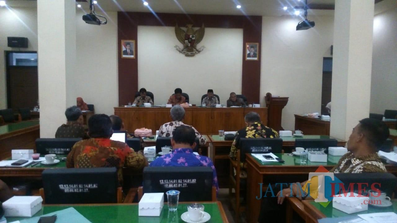 Rapat Komisi I DPRD Trenggalek / Foto : Rudi Yunirianto / Trenggalek TIMES