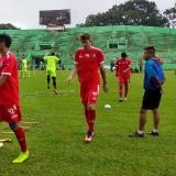 Pavel Smolyachenko (nomor 44) saat menjalani latihan bersama Arema FC (Hendra Saputra)