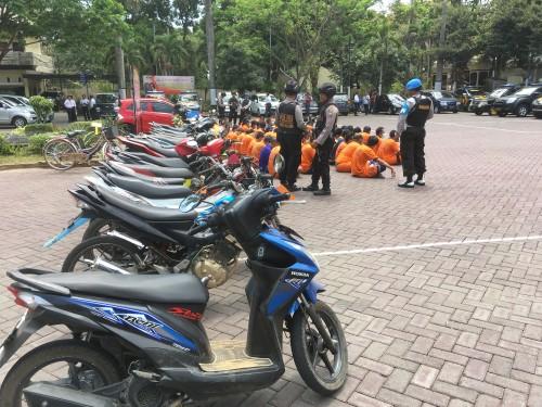 Ilustrasi pelaku dan barang bukti curanmor yang berhasil disita polisi, Kabupaten Malang (Foto : Dokumen MalangTIMES)