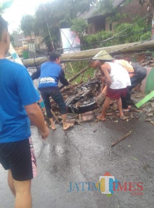 Kondisi paska musibah angin kencang yang terjadi di Kecamatan Jabung, Kabupaten Malang (Foto : PMI Kabupaten Malang for MalangTIMES)