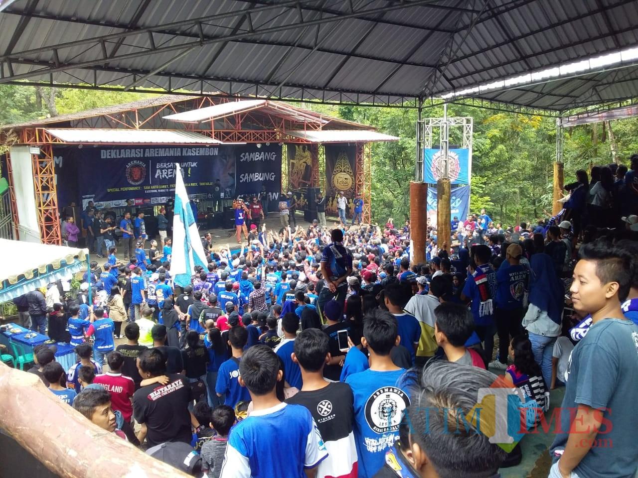 Ribuan Aremania dari berbagai penjuru Jawa Timur saat hadir dalam Deklarasi Aremania Kasembon. (Foto: Dokumen MalangTIMES)