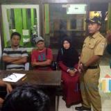 Pihak keluarga korban saat dimintai keterangan di Polsek Kepanjen. (Foto : Istimewa)