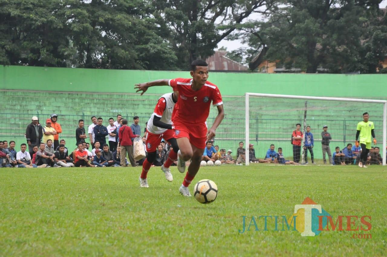 Pemain serba bisa yang baru saja direkrut Arema FC, Ikhfanul Alam. (Luqmanul Hakim)