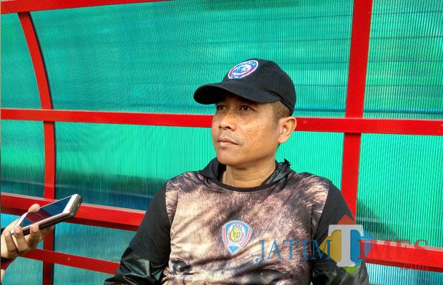 Pelatih Akademi Arema FC Joko