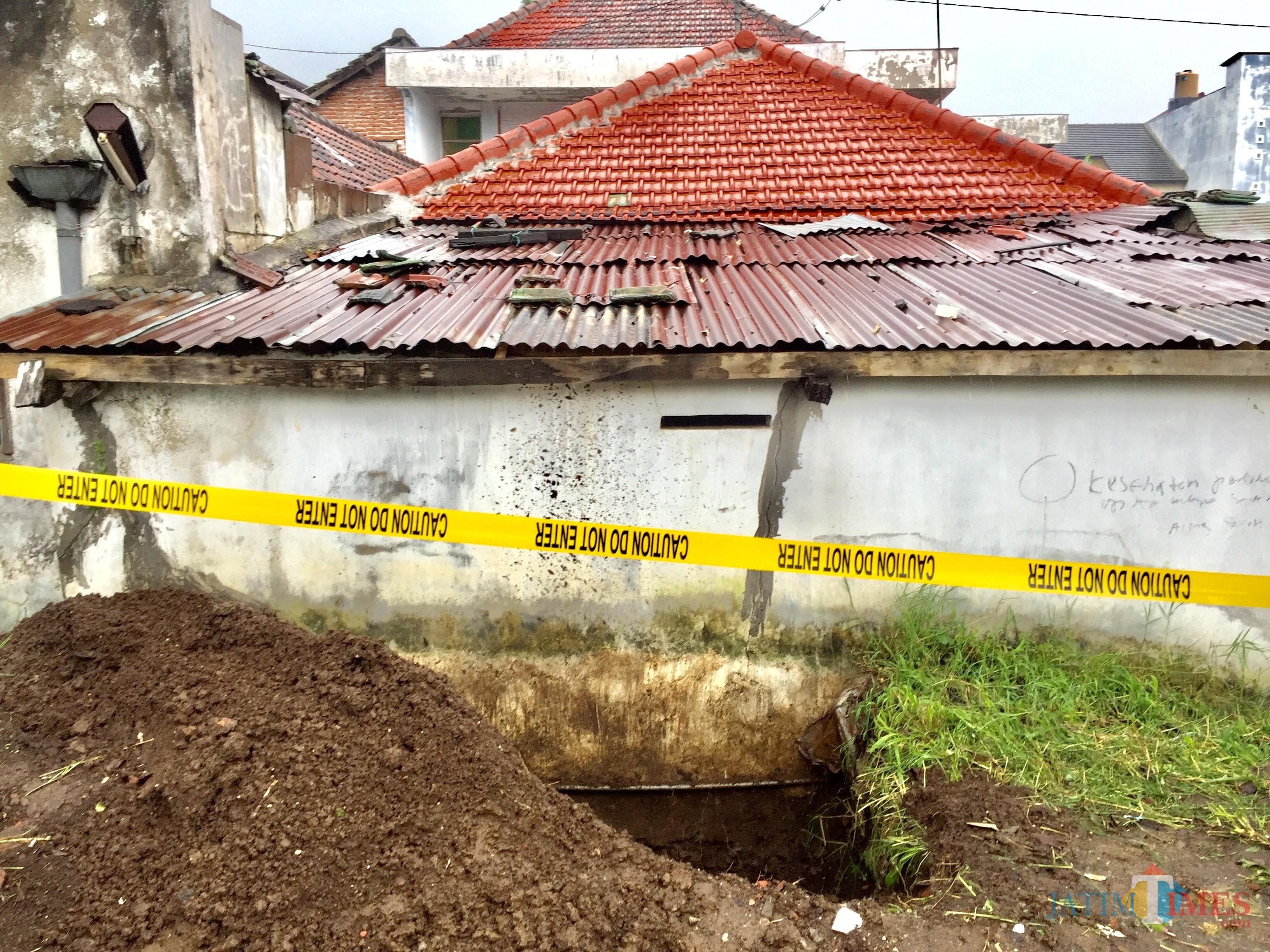 Kondisi rumahKasdi wargaJalan M. Sahar RT 03 RW 03 Kelurahan Sisir, Kecamatan Batu, Kota Batu,Kamis (17/1/2019). (Foto: Irsya Richa/MalangTIMES)