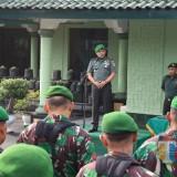 Letkol Inf Kris Bianto saat memberikan penekanan kepada anggota.(Foto : Team BlitarTIMES)