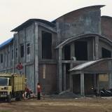Proyek gedung PLUT Kota Pasuruan mangkrak.