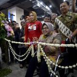 Wali Kota Risma saat meresmikan konter HKI