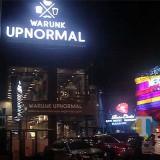 Suasana Malam Hari Komplek Ruko Borubudur Commercial Centre di Jalan Terusan Borobudur 86 (Anggoro Sudiongko/MalangTIMES)