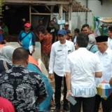 Wabup Malang Sanusi (peci hitam) saat acara Gema Desa di wilayah Pagak (Nana)