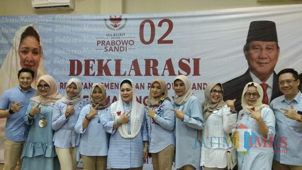 Deklarasi gerakan Rabu Biru Indonesia (RBI) yang berlangsung di Hotel Radho, Kota Malang. (Foto: Nurlayla Ratri/MalangTIMES)