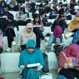Ilustrasi, para peserta seleksi TPOK BP2D Kota Malang mengikuti tes tulis pada rekrutmen 2018 lalu. (Foto: BP2D Kota Malang for MalangTIMES)