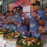 Pengurus PPDI Tulungagung saat tasyakuran (foto : Joko Pramono/JatimTIMES)