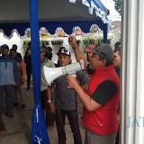 Suasana kegiatan yang diselenggarakan PA 212 di Jalan Nusakambangan didemo (Anggara Sudiongko/MalangTIMES)