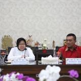 Wali Kota Risma saat menerima Wali Kota Cirebon Nasrudin Aziz