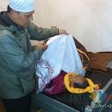 Jenazah korban meninggal mendadak saat dievakuasi ke kamar mayat, Kecamatan Wonosari (Foto : Polsek Wonosari for MalangTIMES)
