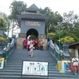 Wisata religi Gunung Kawi, Wonosari, yang menjadi salah satu lokasi BOP BTS yang kini tinggal menunggu waktu terbitnya Perpres (foto: Nana/ MalangTIMES)