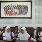 Suasana saat siswa-siswi SD di ruang rapat internal DPRD Kota Malang. (Foto: Nurlayla Ratri/MalangTIMES)