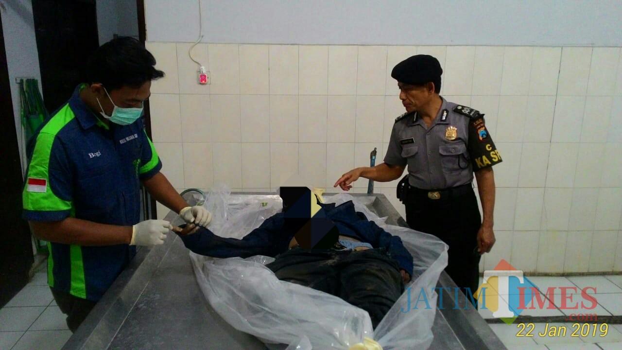 Korban Sugiono saat di RS Dr Iskak Tulungagung pasca Kejadian / Foto : Dokpol / Tulungagung TIMES