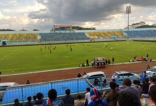 Stadion Kanjuruhan saat digunakan Arema FC beruji coba beberapa hari lalu. (Hendra Saputra)